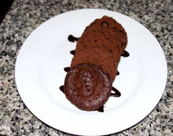 Bizcocho de chocolate hecho al microondas