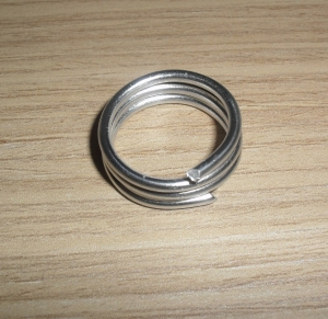 Alambre para hacer un anillo con forma de flor