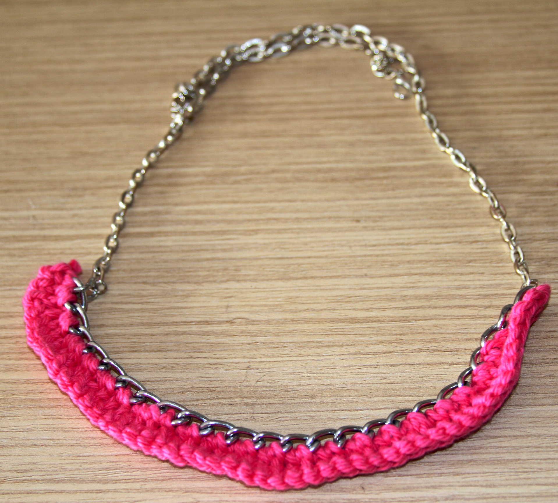 Cómo hacer un collar babero de cadena y crochet – Manetes Bones