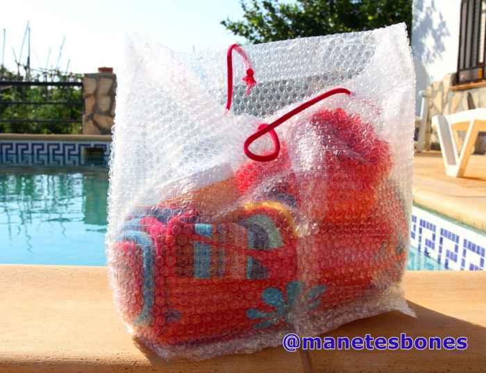 Bolso hecho con papel de burbujas 1