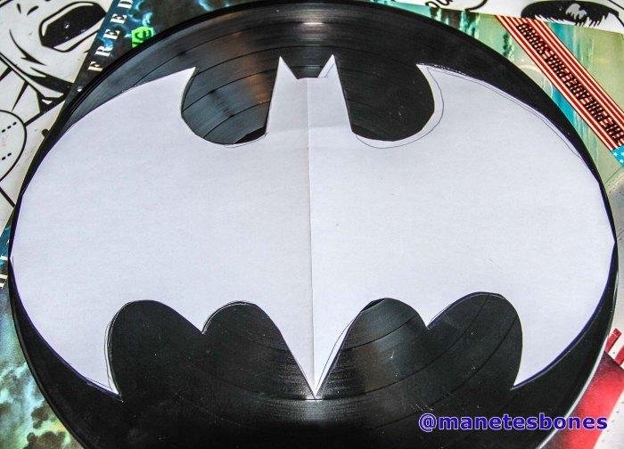 reloj de vinilo con forma de Batman
