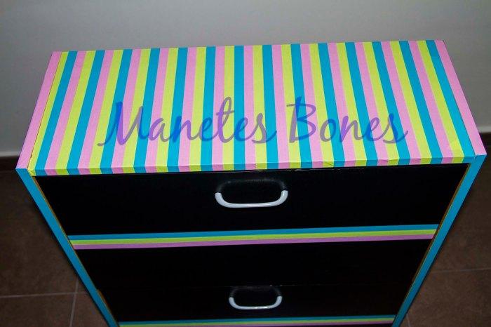 Zapatero decorado con cinta adhesiva y washi tape