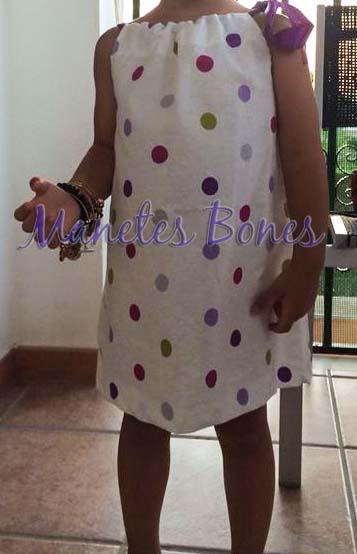 Vestido de tela para niña